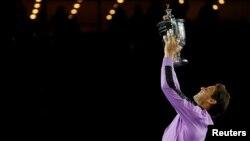 Tenisti spanjoll, Rafael Nadal duke festuar titullin e ri.