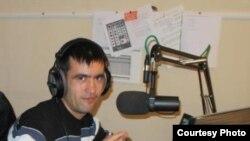 Қирғизистонлик шоир ва журналист Даврон Хотам.