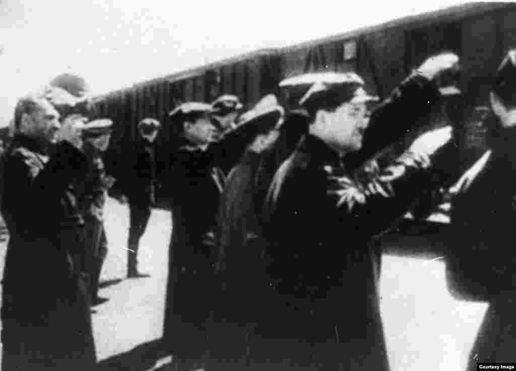 Проводы бойцов 316-й стрелковой дивизии на фронт. Алматы, 1941 год.