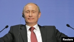 Prime Minister Vladimir Putin said VTB's offering today proves 'trust' in Russia's financial system.