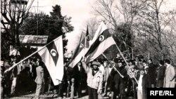 Демонстрация азербайджанцев на советско-иранской границе, Астара, 1990 год