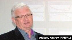 Саясаткер әрі экономист Петр Своикт. Алматы, 19 қаңтар 2015 жыл.