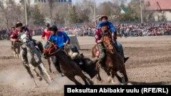 """Кыргыздын """"көк бөрү"""" оюну. Бишкек."""