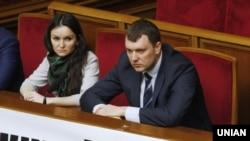 Судді Печерського районного суду Києва Оксана Царевич (Л) і Віктор Кицюк