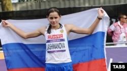 Елена Лашманова выиграла золотую медаль в спортивной ходьбе на Олимпиаде в Лондоне
