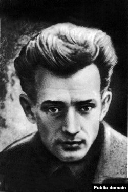 Євген Плужник