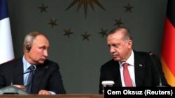 Vladimir Putin și Tayyip Erdogan la Istanbul, octombrie 2018