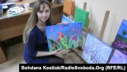 Валерія Москвітіна зі своїми роботами