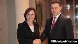 Македонскиот премиер Никола Груевски и министерот за европски прашања на германската сојузна држава Баварија Емилија Милер при средбата во Минхен
