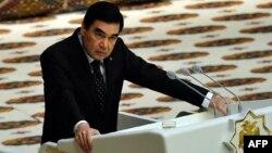 Türkmenistanyň prezidenti GurbangulyBerdimuhamedow.