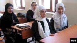 Heratdakı türk məktəbi (Foto arxivdəndir)