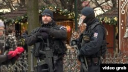 На месте нападения в Берлине.
