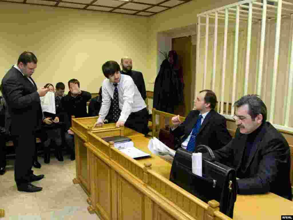 В зале Московского окружного военного суда