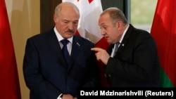 Георгий Маргвелашвили (справа) и Александр Лукашенко во время визита белорусского лидера в Тбилиси, март 2018 г.