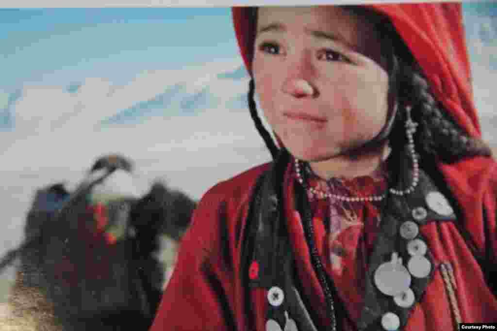 С одной из экспедиций в 2014 году памирских кыргызов посетил и журналист «Азаттыка» Мухаммедали Токтакунов. По его словам, жить на такой высоте и в трудных условиях очень тяжело, но люди справляются, обычный их рацион составляют мясо, хлеб и молоко, очень мало витаминов.