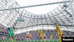 Гол у ворота України забиває Якуб Блащиковський, Марсель, 21 червня 2016 року