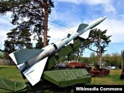 S-75 Dvina (Sovet İttifaqında 1957-ci ildə yaradılmış yer-hava tipli raket)