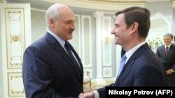 Президент Беларуси Александр Лукашенко во время встречи в Минске с заместителем государственного секретаря США Дэвидом Хейлом. 17 сентября 2019 года.