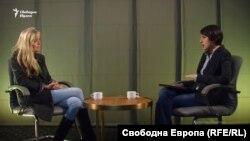 Кейт Блюет говори пред Надежда Цекулова за това, което е открила в България 12 години след първия си филм, в който показа условията за децата в дома в Могилино
