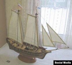 Модель яхты Петра Первого, сделанная Станиславом Овсянниковым