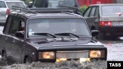 İntensiv yağışlar ciddi fəsadlar törədib