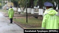 Дорожные полицейские в Алматы.
