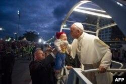 Папа Франциск на пляже Копакабана. Июль 2013 года