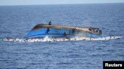 Затонуле судно з мігрантами біля берегів Італії, 25 травня 2016 року (Ілюстраційне фото)
