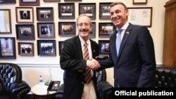 Kryetari i Kuvendit të Kosovës, Kadri Veseli gjatë takimit me kongresistin, Eliot Engel