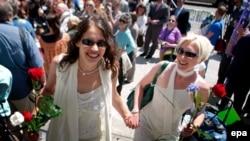 Sharon Papo i Amber Weiss sklopile su brak u San Francisku, 17. jula 2008.