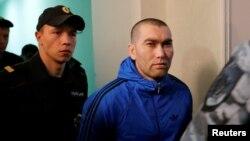 Анзор Губашев в здании суда
