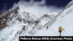 تیم کوهنوردان امریکا در کوههای اورست، نیپال