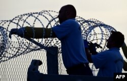 مجارستان مرز خود با صربستان را مسدود میکند