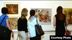На межрегиональную выставку во Владикавказ пригласили и художников из Южной Осетии. Однако организаторы столкнулись с проблемами при взаимодействии с Союзом художников республики