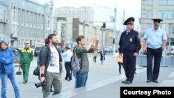 Полиция отгоняла прохожих и журналистов