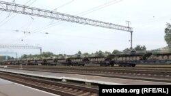 Російська військова техніка на станції Вярейци, Білорусь, 21 вересня 2017 року
