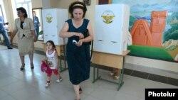 Nagorno-Karabakh - Voters at a polling station in Stepanakert, 19Jul2012.