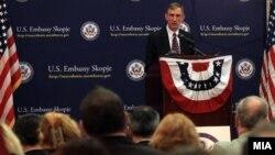Амбасадорот на САД во Македонија Пол Волерс.