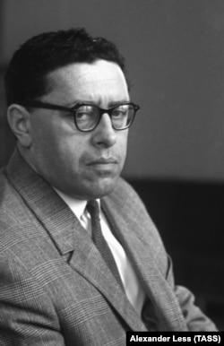 Писатель Юрий Трифонов, 1964 г.