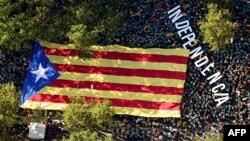 Pamje nga një marshim për pavarësi në Katalonjë.