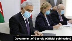 Президент SOCAR Ровнаг Абдуллаев и министр экономики Грузии Натия Турнава