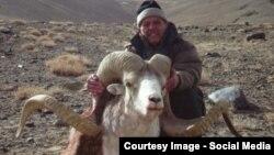 Учурда Кыргызстанда чет элдик жарандар үчүн аңчылык турларын уюштурган 46 жеке фирма бар.