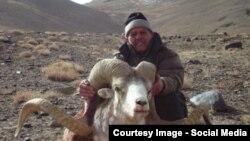 Большинство охотничьих угодий расположено в Нарынской и Иссык-Кульской областях.