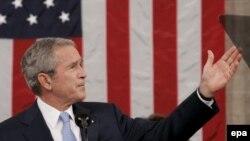 В этот раз президенту США пришлось обращаться к критично настроенной аудитории