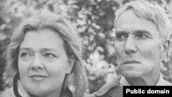 Ольга Ивинская и Борис Пастернак, 1958 год (фото: А. Лесс)
