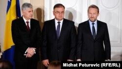 Članovi Predsjedništva BiH: Dragan Čović (L), Mladen Ivanić (C) i Bakir Izetbegović (D), 17. novembar 2014.