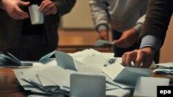 Гласачките ливчиња од референдумот во северно Косово