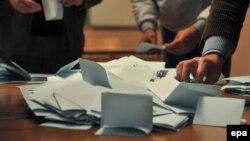 Material zgjedhor (Foto nga referendumi serb në veri për njohjen ose jo të institucioneve të Republikës së Kosovës).