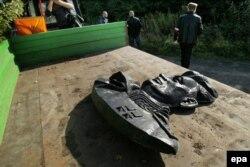 Демонтаж памятника генералу Черняховскому в городе Ненежно. 17 сентября 2017 год