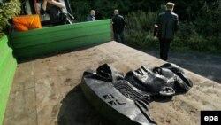 Демонтаж бюста генерала Ивана Черняховского в польском городе Пененжно. 17 сентября 2015 года